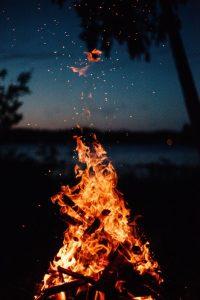 falò spiaggia, fuoco in spiaggia, falò ferragosto
